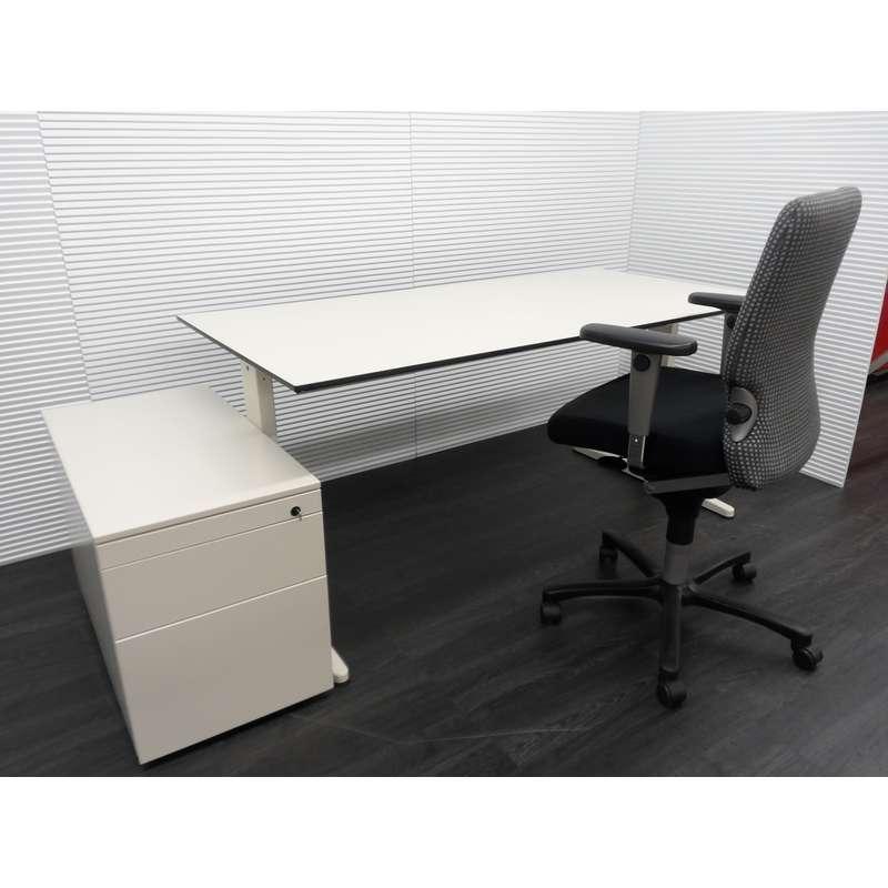 Maand aanbieding werkplekset incl bureau bureaustoel en for Ladenblok bureau wit